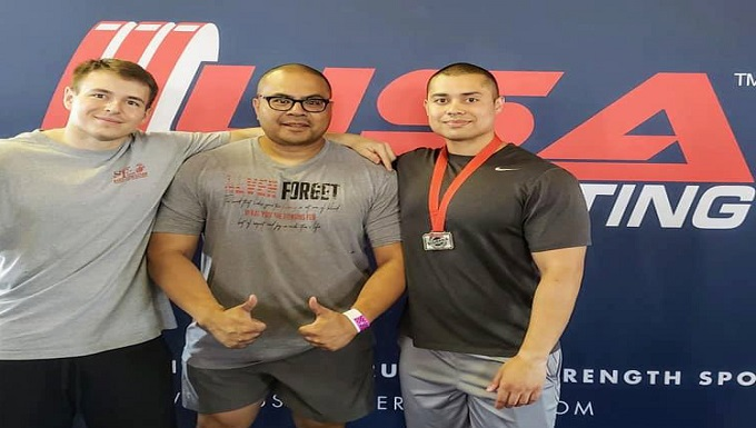 Two WADS Airmen win silver at regional powerlifting competition